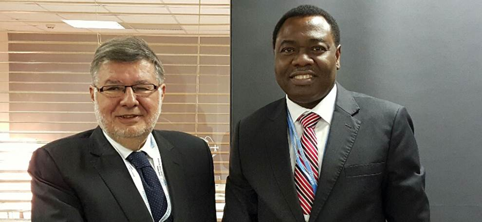ICAO council President Aliu, french Minister Vidalies, discuss range of civil aviation issues as COP21  proceeds on course