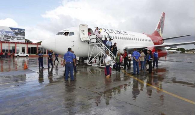 De 34 vuelos al exterior, quedan 11 semanales, las aerolíneas abandonan Venezuela