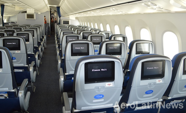 """Airplane Cleaning Robot recognized by Industry""""™s Crystal Cabin Awards"""