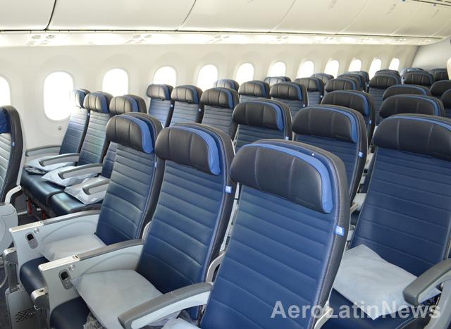 United Airlines afirma que imprimir su revista en papel que pesa menos le ha ahorrado más de 640.000 litros de gasolina