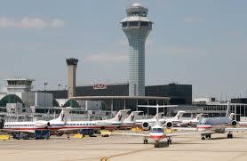 """Choque de camión y avión en Aeropuerto Internacional O""""™Hare"""