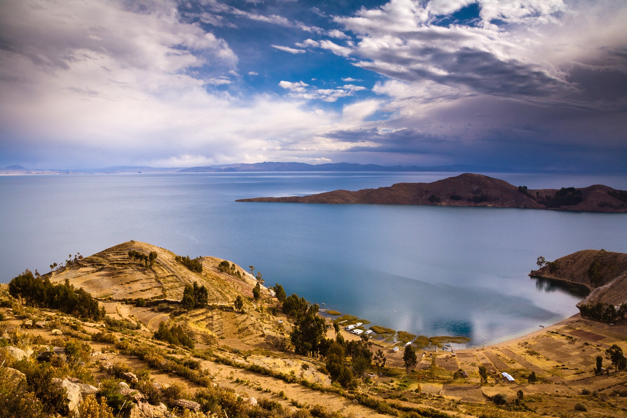 Bolivia estrena un aeropuerto de US$ 6,8 millones en la frontera con Perú