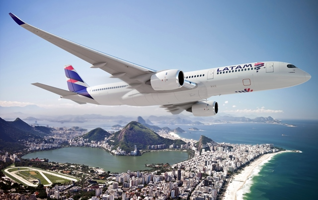 Latam Brasil suspende venda de serviço de bordo