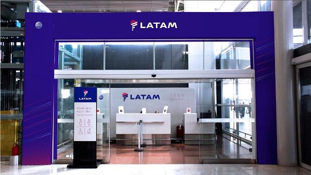 LATAM Airlines y Banco Santander Chile renuevan alianza por 7 años