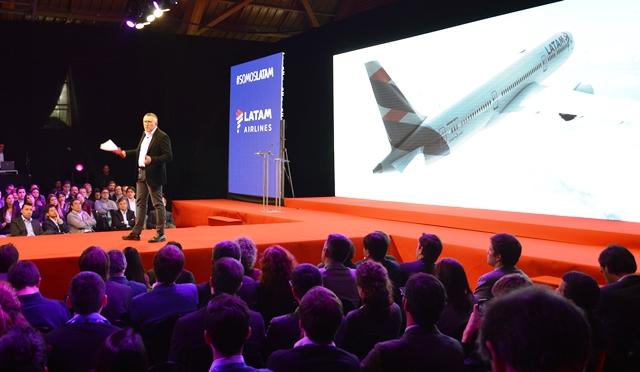 El primer avión con imagen LATAM que volará en el mundo transportará la Antorcha Olímpica (Galería)