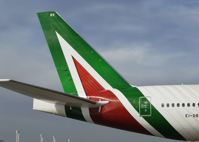 Bruselas aprueba una ayuda estatal de casi 200 millones de euros a Alitalia