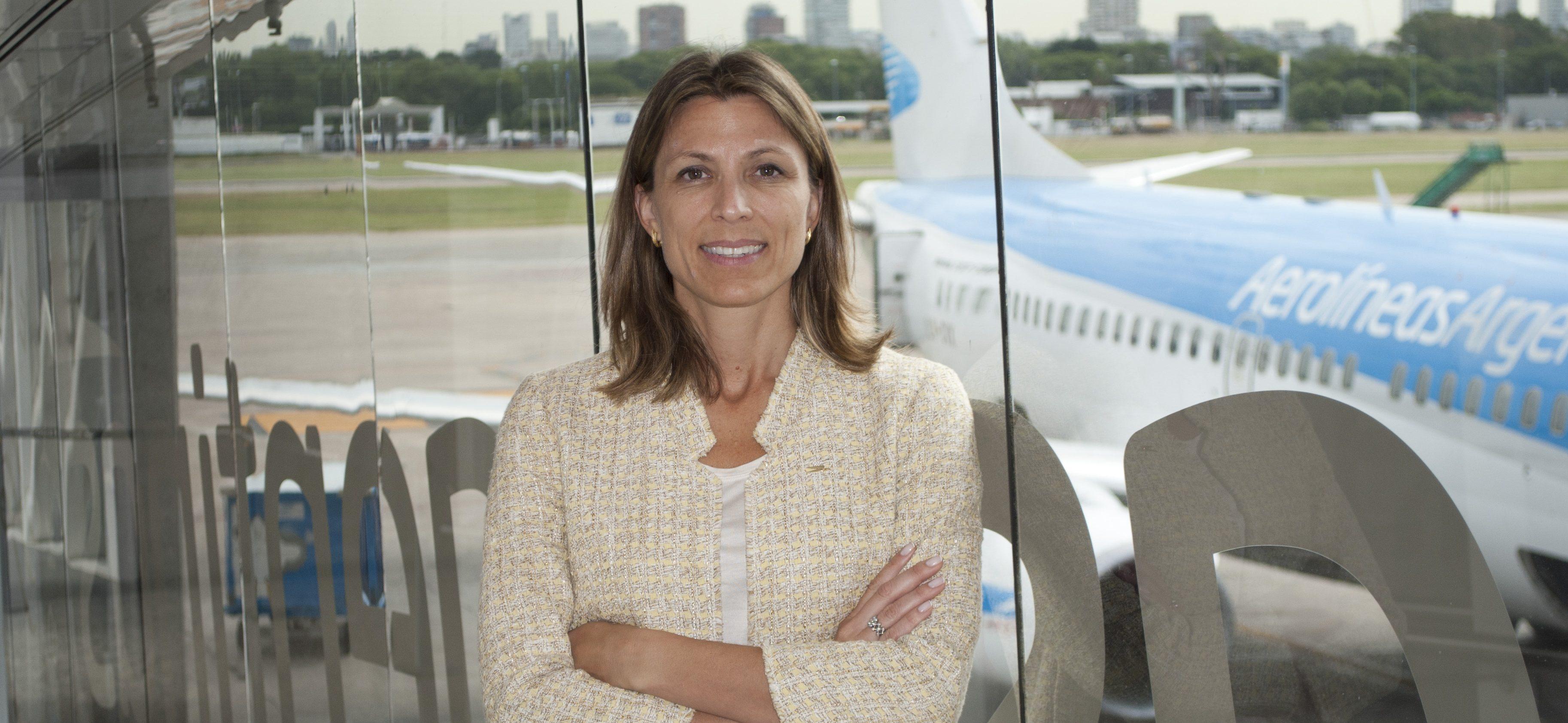 """Presidenta de Aerolíneas Argentinas: """"Costos e infraestructura traban la productividad y conectividad"""""""