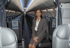 Isela Constantini-AerolineasArgentinas2016-cabina