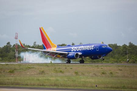 Southwest 2Q net profit down 1.3%; fuel hedging pays off