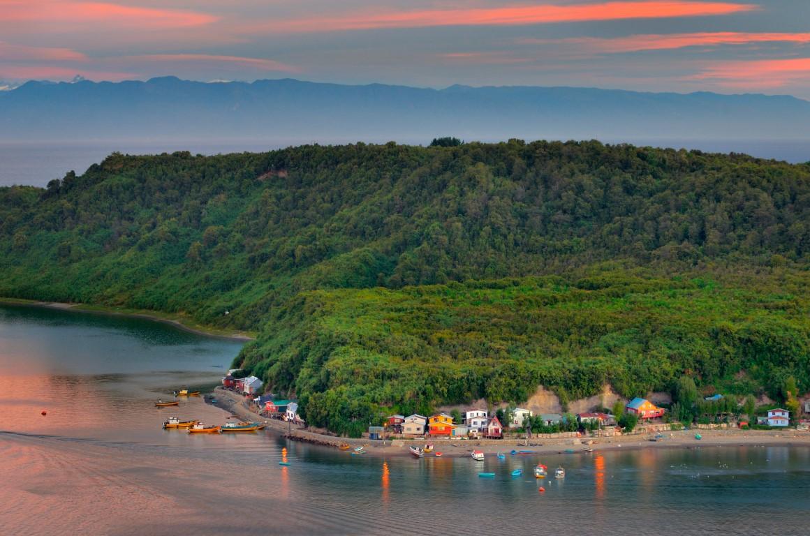 Restituirán vuelos internacionales a Puerto Montt: Sernatur confía en aumento del turismo