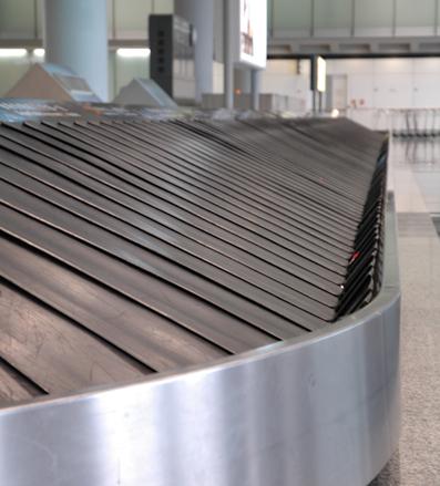 Arte en las cintas de recogida de equipaje en el aeropuerto de Amsterdam