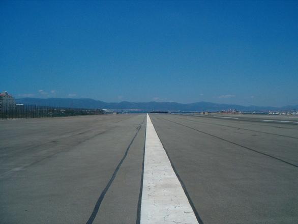 Arica: MOP decidió no dar recepción final a la ruta al aeropuerto Chacalluta por mala calidad del pavimento