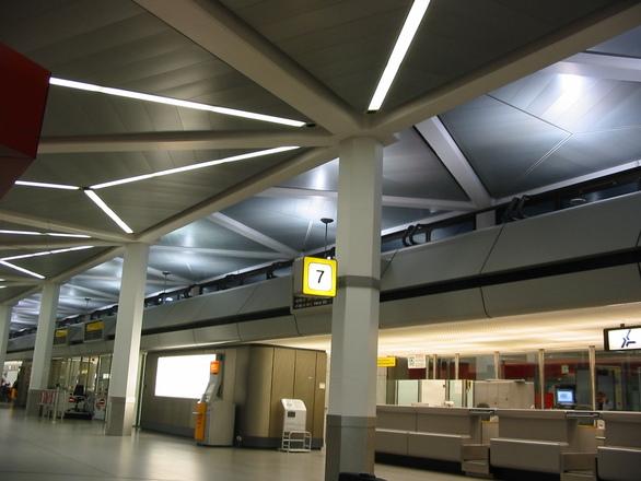 La CE autoriza inversión pública para finalizar nuevo aeropuerto de Berlín