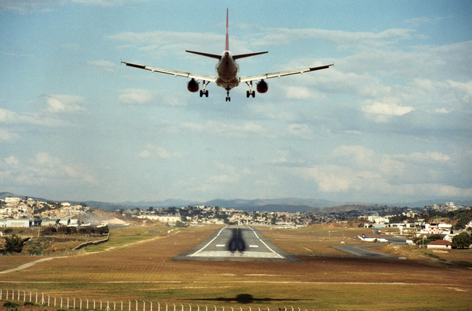 Tampa airport begins negotiations for $2B renovation