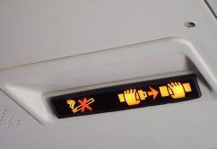 signos-señales-cinturon-avion