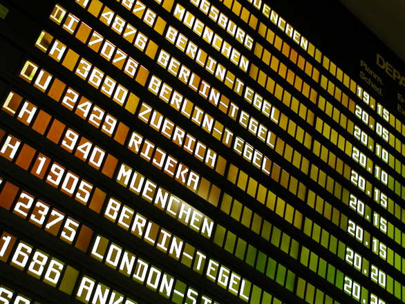 Europa: Aerolínea cancela 800 vuelos por huelgas en cuatro aeropuertos