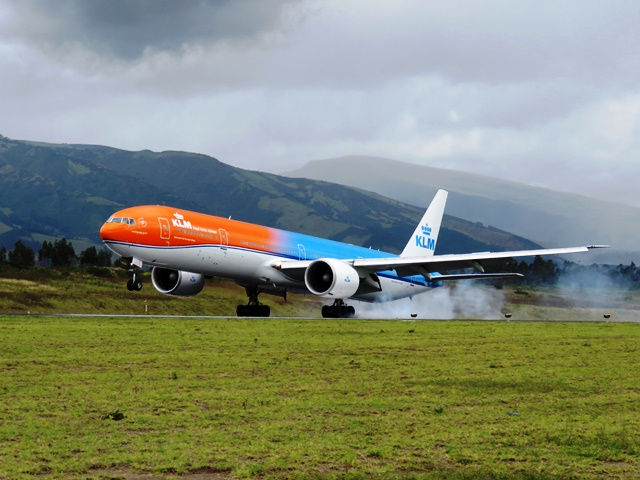 Aerolínea KLM inaugura vuelos directos Holanda-Costa Rica
