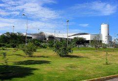 800px-Visao_externa_do_aeroporto_de_Fortaleza