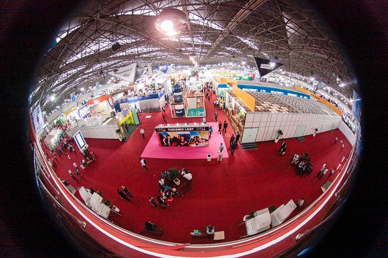 Abav Expo recebe 12 mil pessoas no primeiro dia; 7,5 mil agentes se inscreveram na Vila do Saber