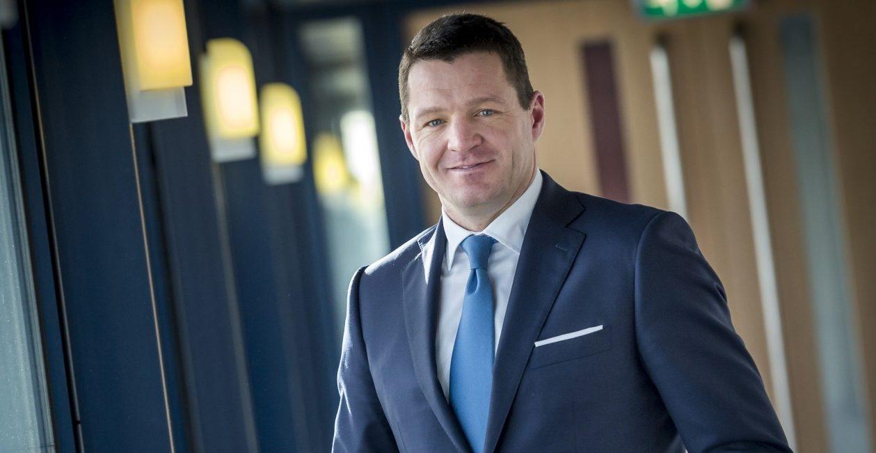 Entrevista a Pieter Elbers, CEO de KLM «Si el petróleo sube, los billetes de avión también»