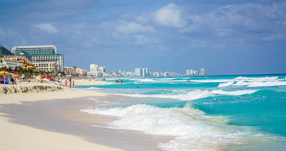 Turismo ruso sigue llegando a Cancún