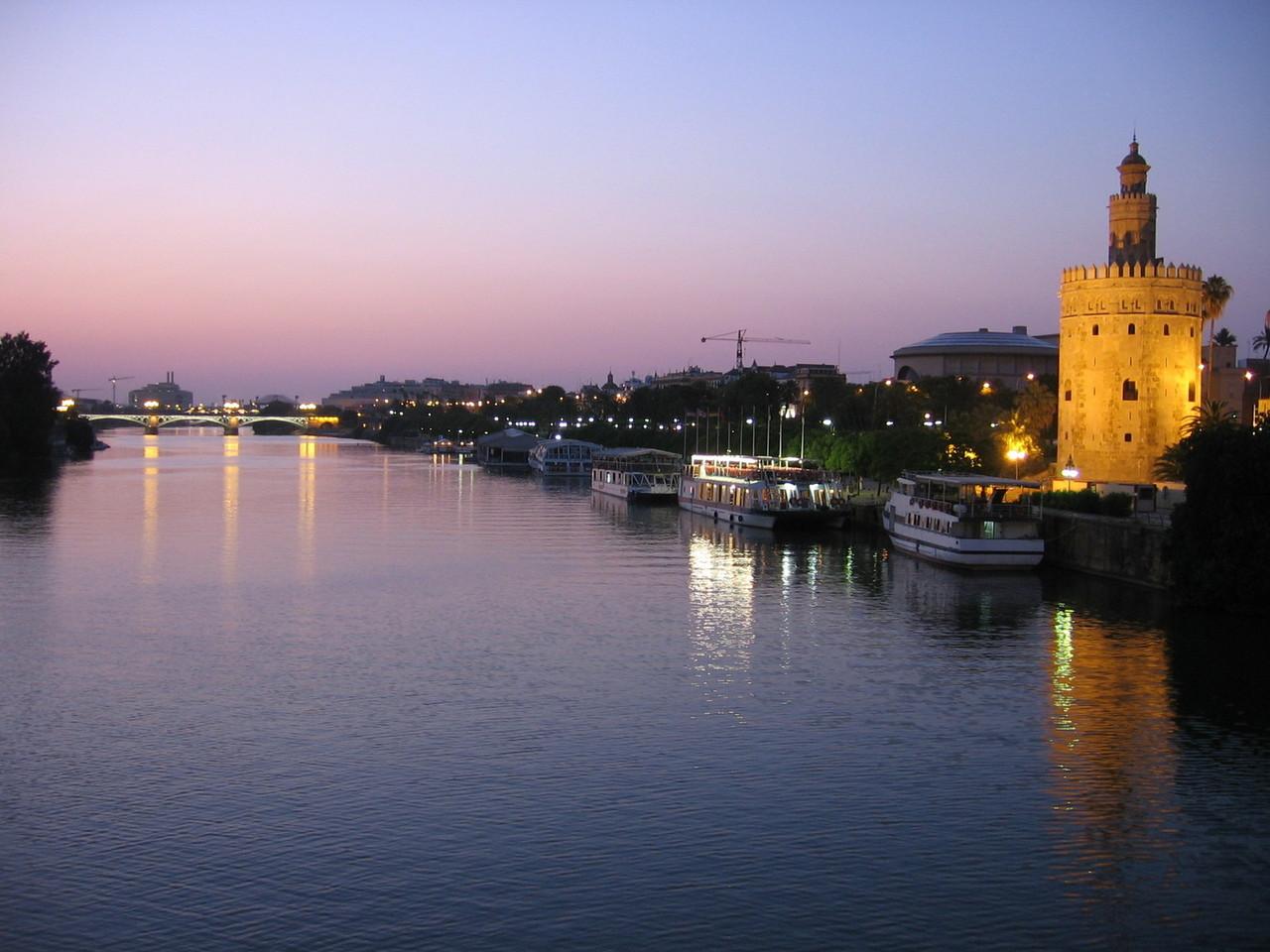 Sevilla vende sus atractivos ante el mayor grupo de agencias de viajes de Alemania