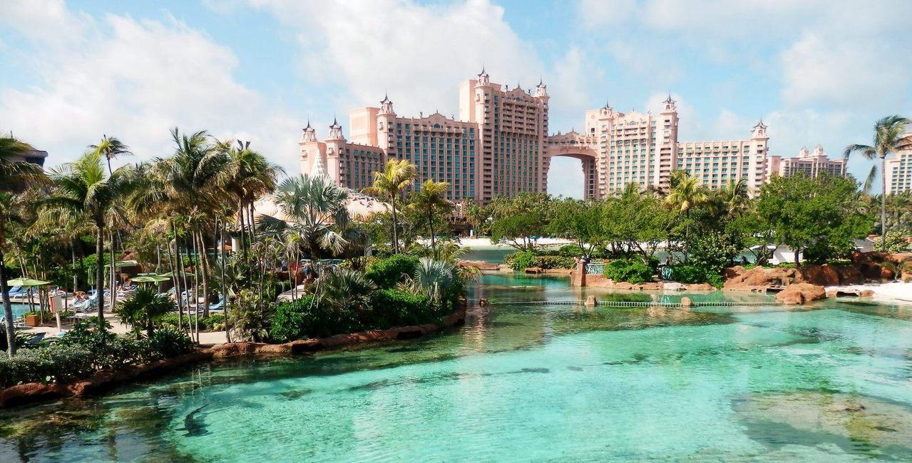 Se desarrollan hotelería y plazas comerciales en Yucatán