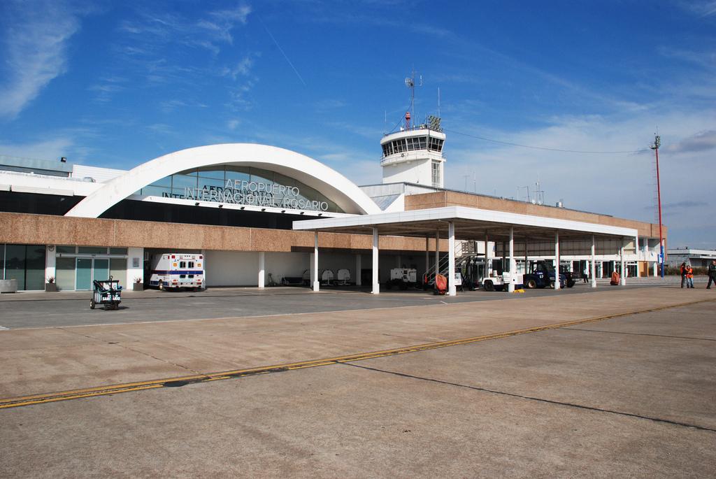 Aeropuerto de Rosario reduce tasa de uso aeroportuario internacional
