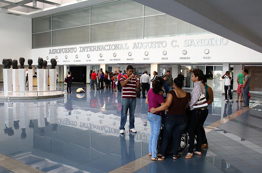 Caen los ingresos por uso de terminal aérea y pago de tarjeta de turismo en Nicaragua