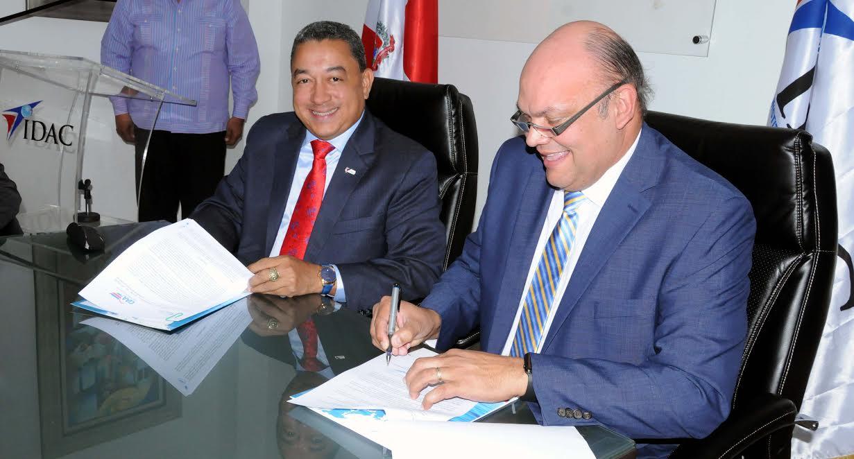 El IDAC y la CIAA firman protocolo de coordinación para fortalecer seguridad operacional