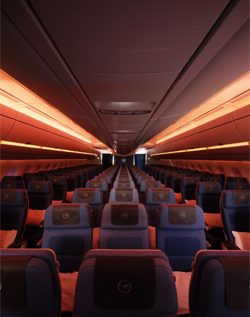 Lufthansa A350-900 – Worldwide debut for innovative lighting technology