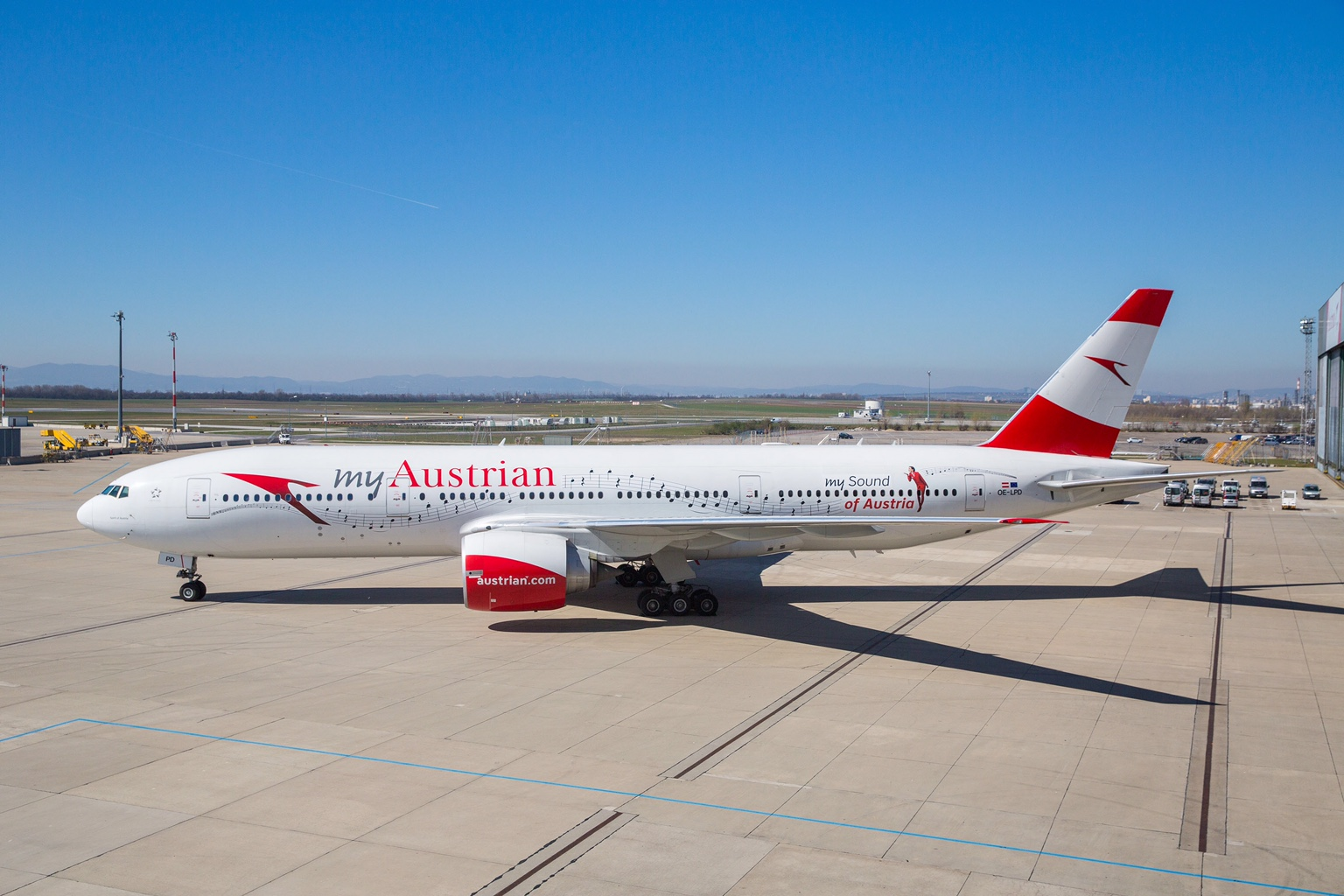 Austrian Airlines Adorns Boeing 777 Jet with the Blue Danube Waltz
