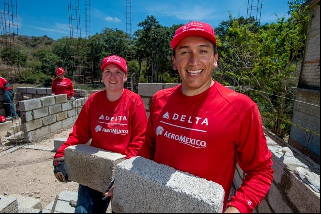 Empleados voluntarios viajan a México para la 13a Construcción Global de Delta con Hábitat para la Humanidad