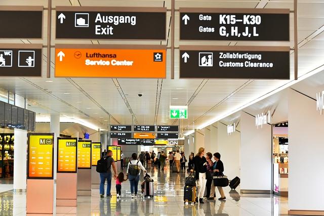Pasajero desorientado presionó por error una alarma y causó estragos en aeropuerto alemán