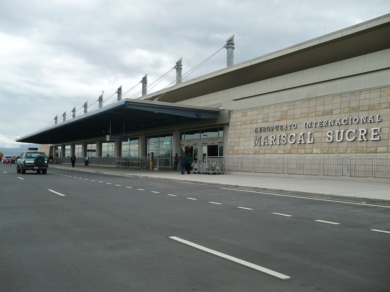 Paro nacional en Ecuador afectó a más de 25 mil pasajeros