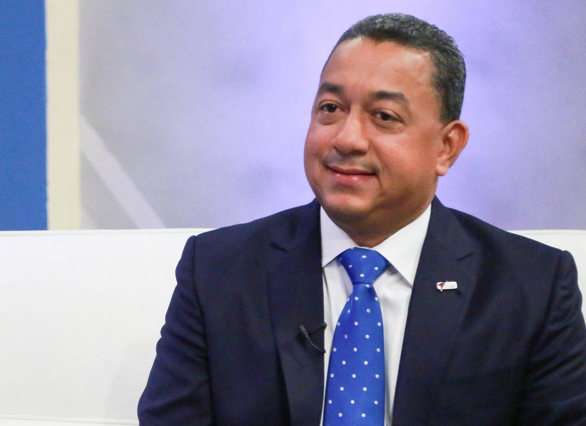 Alejandro Herrera, Director IDAC: Sector aeronáutico contribuye de manera significativa a sostenibilidad del crecimiento turístico