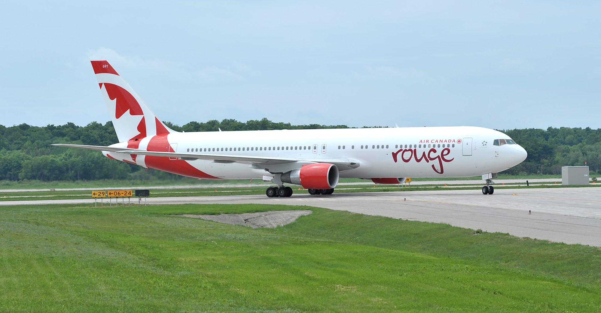 Aerolínea 'low cost' Air Canada Rouge abrirá ruta a Ecuador en 2019