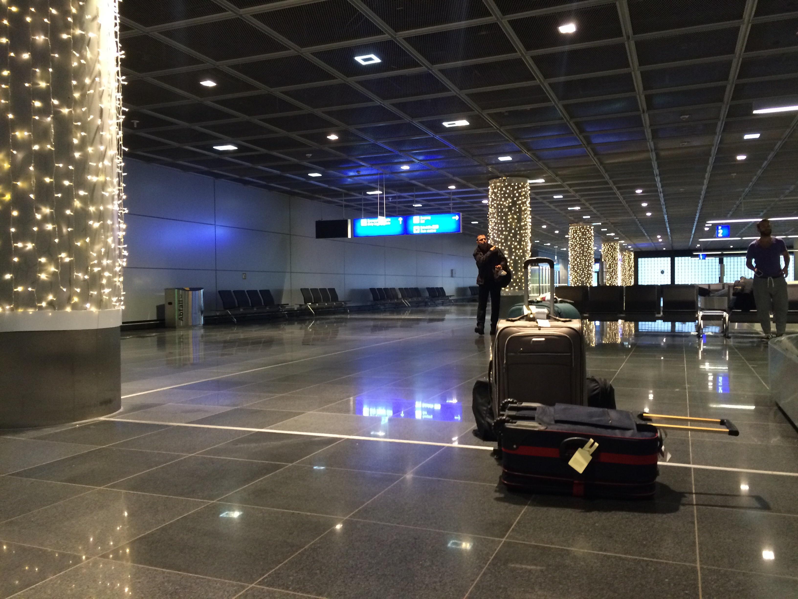 Descubren 870.000 euros en una maleta en un aeropuerto alemán