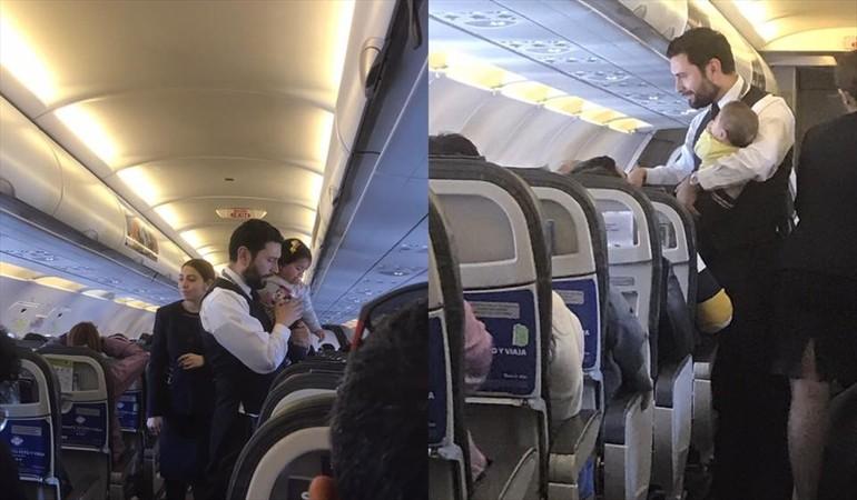 Pasajeros destacan noble acción de sobrecargo en pleno vuelo