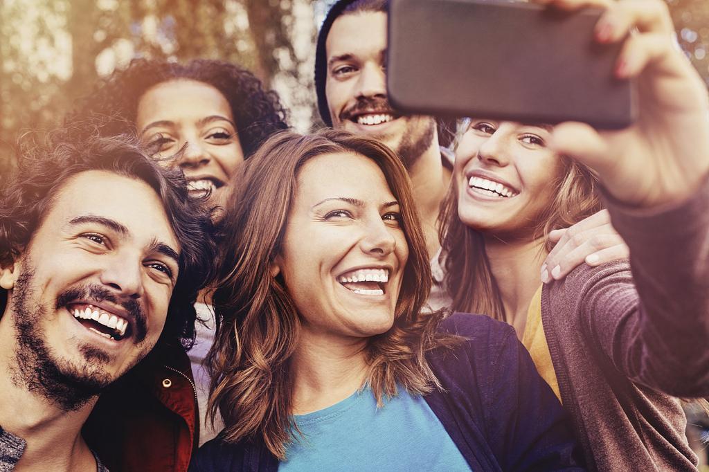 Redes sociales y series inspiran los viajes de la Generación Z
