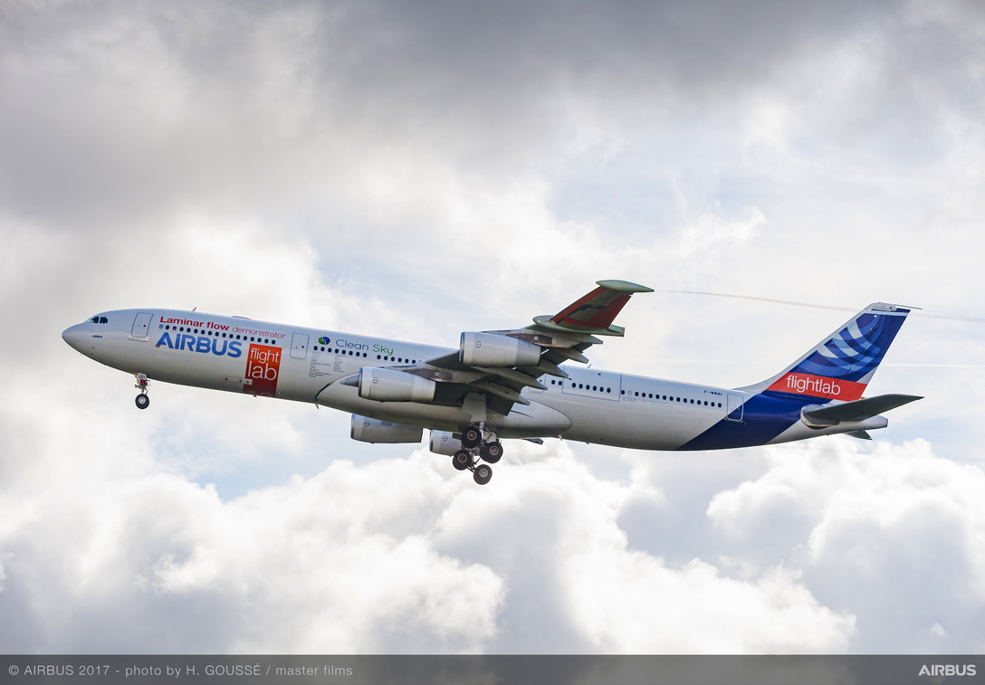 "Airbus""™ ""BLADE"" laminar flow wing demonstrator makes first flight"