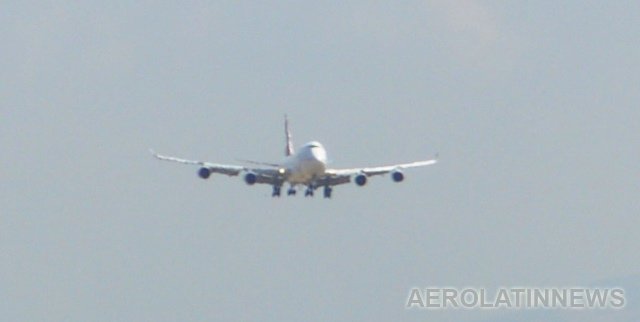 El gigante Boeing 747-400 es huésped de Guayaquil