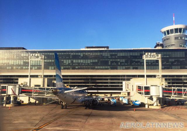 Otro viernes complicado en los aeropuertos de Argentina