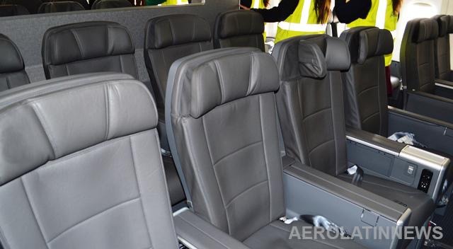 Boeing y Adient crean Ad Aerospace para fabricar asientos de avión