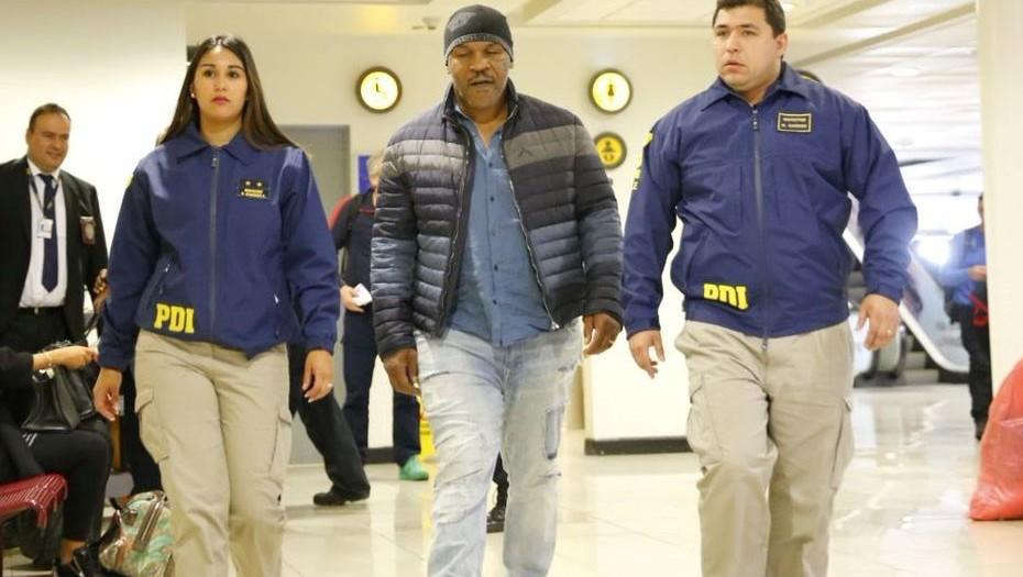 Mike Tyson fue detenido en el aeropuerto de Chile y le prohibieron la entrada al país