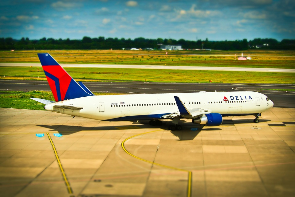 Delta raises 2018 earnings guidance 20% due to tax law