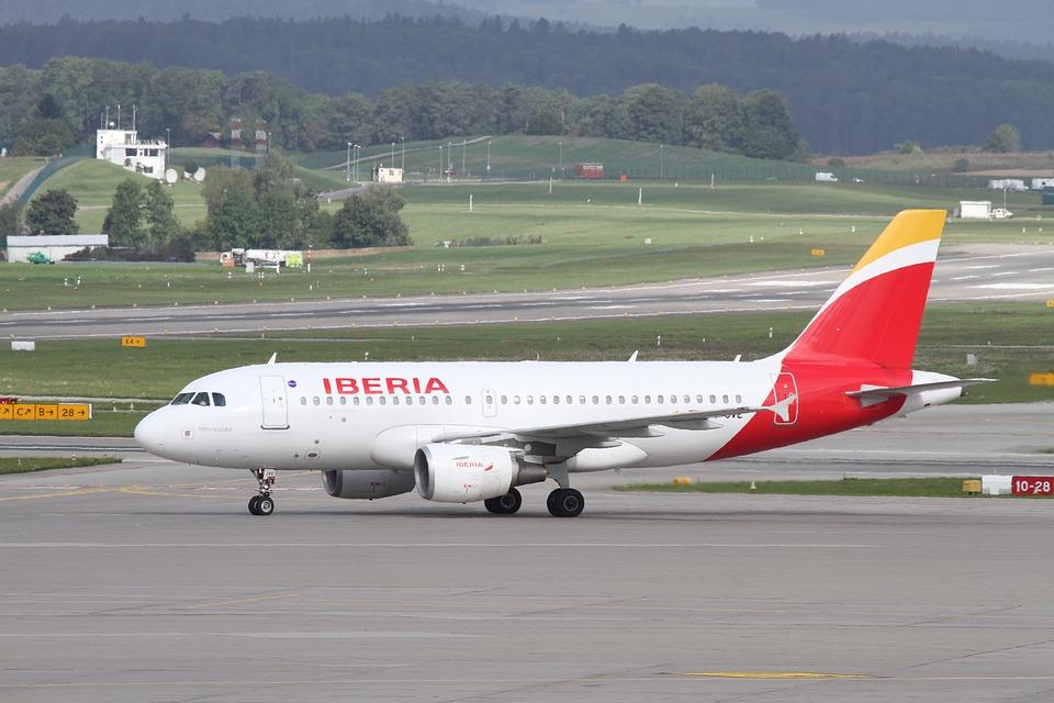 Iberia gestionará el mantenimiento de todos los aviones de la flota de IAG
