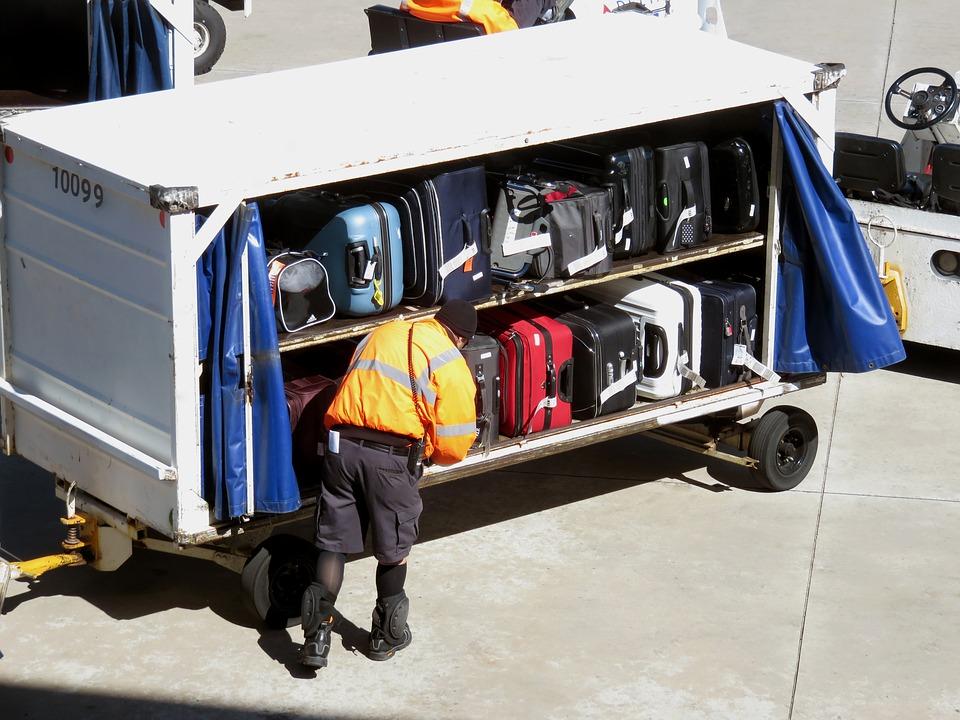 Air Europa: alerta por una maleta llena de piedras