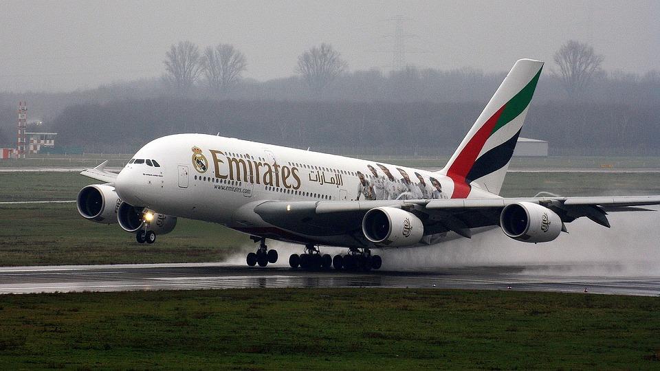 """Emirates cierra 2017 con """"broche de oro"""""""