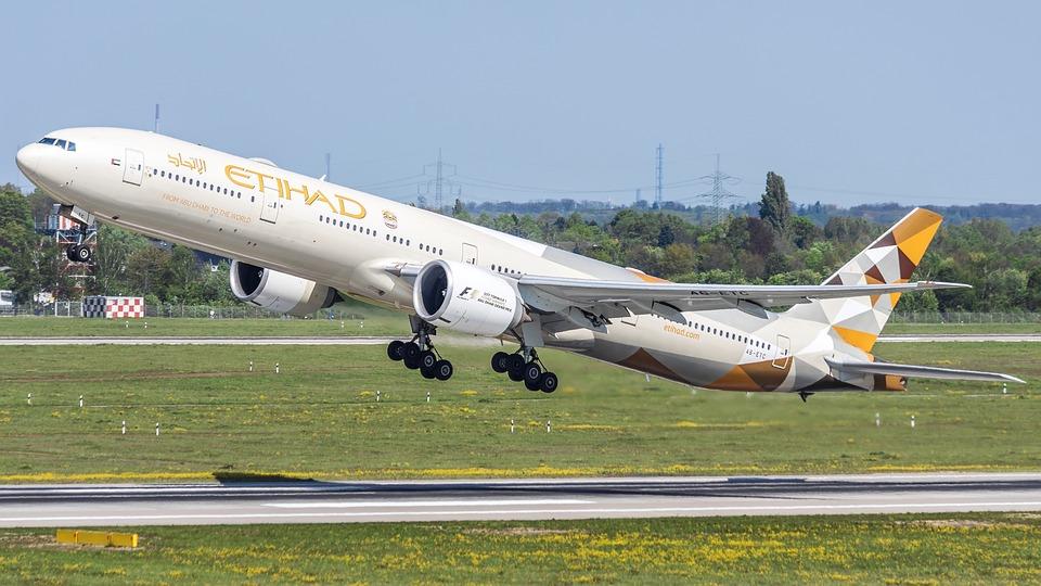 Convertirá Etihad un quinto 777 a carguero